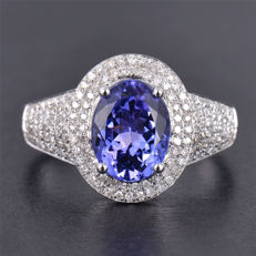 Majestic 18 Kt White Gold with 2.95 Carats of aTanzanite and Brilliant Diamonds - Unworn - No Reserve