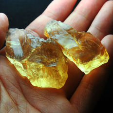 Natural Untreated Lemon Citrine Rough - VVS Clarity - 270.6 ct (2)