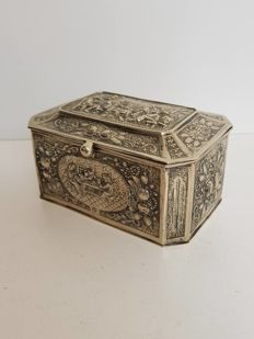 Silver tea box, probably Germany, 1900/1920