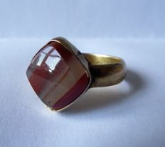 Gold and agate ring, probably mid 1800's