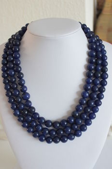 Necklace made of sapphires on adjustable silk cord - 1010 ct
