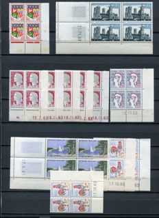 France 1960 to 1995 – collection of dated corners in blocks of 4 or 6 – Yvert between # 1230A and 2952