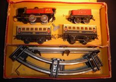 Hornby, France - Scale 0 - Box M1 with Locomotive 3.1225, Tender 2528, 2 carriages and rails made of tin, 1940s