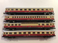 Märklin Z - 4 Carriages of the DB - panoramic carriage and 3 1st class carriages (1418)