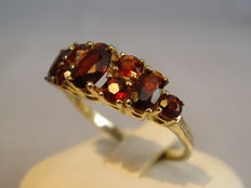 Golden ring with Bohemian garnets, approx. 2.5 ct,