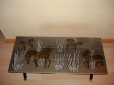 Adri – vintage tile table with an image of horses