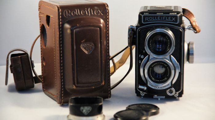 Rolleiflex 4x4 Baby Black with black !!! lenshood (serial number 2065258)