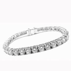 Diamond tennis style bracelet, 6.00 cts total, 17,5 cm