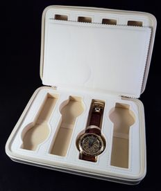 Chic travel case for watches – for 8 watches – Unisex