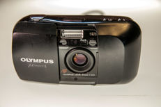 Classic compact Olympus MJU-I with 35mm F3.5