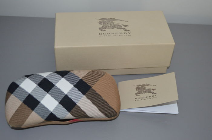 d66675efe7c Burberry new glasses case. - Catawiki
