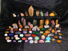 A collection of gemstones and crystals - 3.4 to 15.7cm - 8.9kg (84)