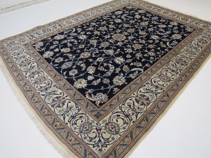 Dreamily beautiful Persian carpet, Nain/Iran, 260 x 200 cm, end of the 20th  century. In top condition – with silk content – very clean