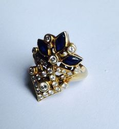 14 kt gold vintage ring with diamond and sapphire