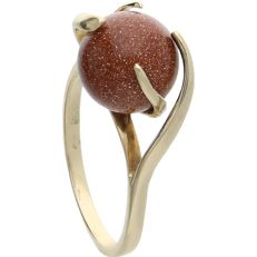 14 kt – Yellow gold ring with 11 stones – Ring size: 17.75 mm