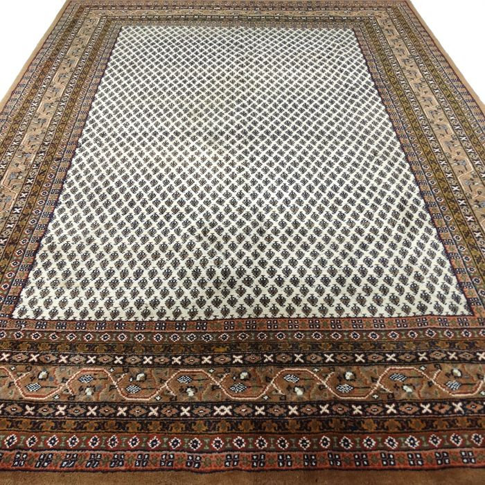 "Mir – 352 x 250 cm – ""Oriental rug in natural shades in beautiful condition""."