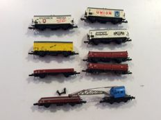 Märklin Z - 9 carriages: crane carriage - 4 open freight carriages -  4 closed refrigerated carriages, most of the DB (1424)