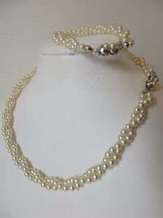 Set of twisted freshwater pearl necklace and bracelet – With silver clasps