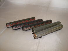 Fleischmann/Minitrix N - 4x Silberlinge/Silverfish commuter coaches & 1x BR914 railcar centre coach of the DB
