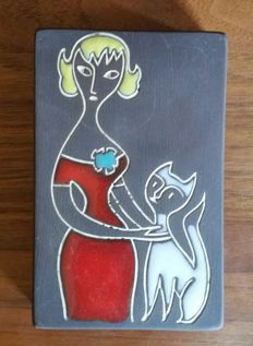Ravelli - colorite tile woman with cat