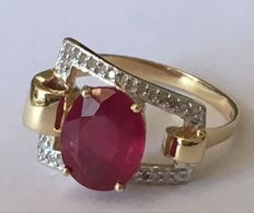 14K Gold ring  with ruby and white topaz - size us 7.5