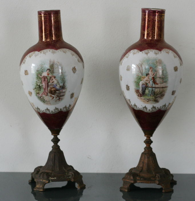 Set Of Ornamental Vases In Viennese Style On Brass Foot Catawiki
