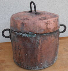 Ancient copper pot with lid - Italy - second half of 19th-century