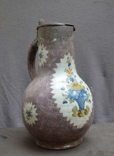 Faience de Bruxelles - Can with a floral decor