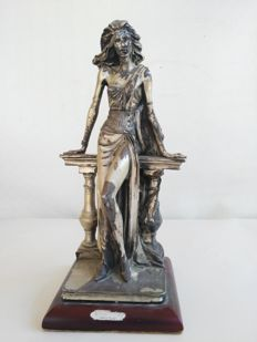 Large silvery sculpture, La Dama by Vittorio Tessaro, signed by the artist