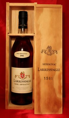1981 Vieil Armagnac Larressingle - 1 bottle 700ml, 40%vol. incl. Wooden Box