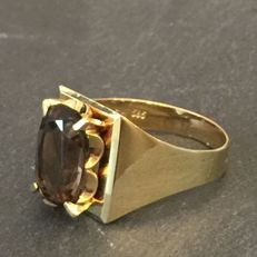 14 kt gold design ring with smoky quartz, size 18.5