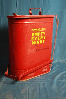Vintage Eagle cleaning rags pedal bin - 1950, United States