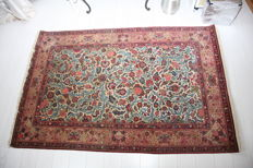 "Fine antique Persian handmade silk and wool Kashan rug size 210cm x 133cm (6'9""x4'4"")"