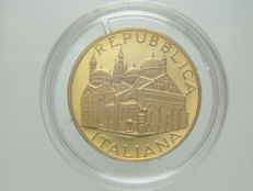 "Republic of Italy – 50,000 Lire, 1995 – ""Basilica Sant'Antonio di Padova"" [""Basilica of Saint Anthony of Padua""] – gold"
