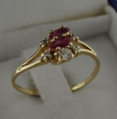 14 kt yellow gold ring with diamond and spinel – Ring size 17.75