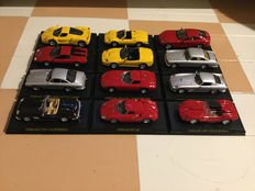 Ferrari Collection - Scale 1/43 - Lot with 12 models: 12 Ferrari cars.