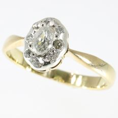 Victorian bicolour gold oval shaped diamond ring - anno 1900
