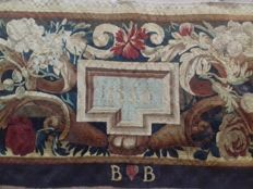 Antependium border of Beauvais French tapestry - year 1680 - cm 137 x 37.5