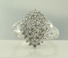 14 kt white gold ring set with brilliant cut diamonds, ring size 17.75 (56) ***NO RESERVE PRICE***