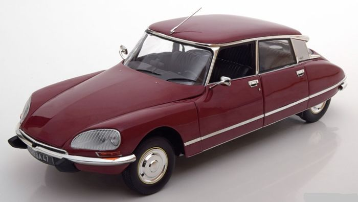 Norev - Scale 1/18 - Citroen DS23 1973 - Colour: Rouge Massena
