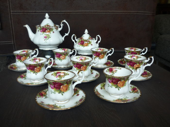 royal albert 20 piece set old country roses bone china england catawiki. Black Bedroom Furniture Sets. Home Design Ideas