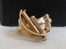 Unique gold ring by Anneke Schat, Netherlands, and book by Anneke Schat