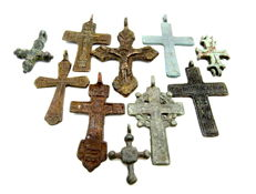 Very Fine Selection of 10 Medieval / Post Medieval Cross pendants - 23-55mm (10)