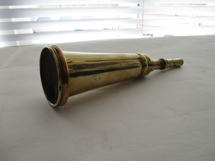 Lucas, England - Antique Automobile klaxon horn trumpet - King of the Road - 28.5 cm long - 1920s-1930s