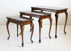 Antique mahogany mimiset, mid 20th century