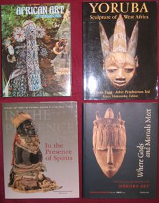 Lot with four books about ethnographic art from Africa - 1974/2004