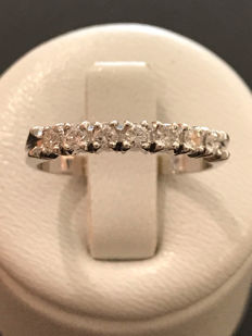 American ring in white gold 18 kt and diamonds of 0.35 ct - size 54/17.33 mm.