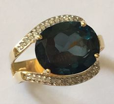 14Kt Gold Ring  - London  Blue Topaz - size 7,5