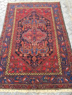 Antique Persian Hamadan hand-made rug 137 x 212 cm.