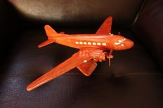 Model airplane made of precious wood of the Douglas DC3, second world war, 37 x 28 cm